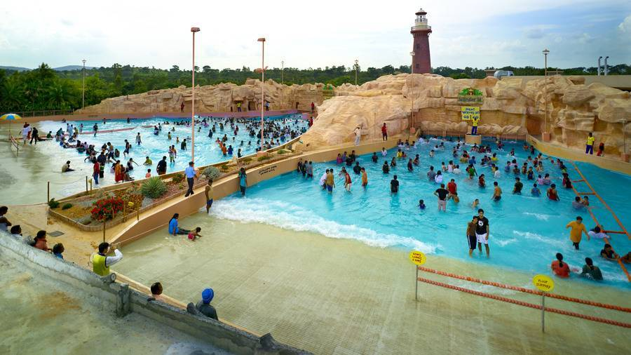 water_rides_wave_pool_2_wonderla_amusement_parks_bangalore