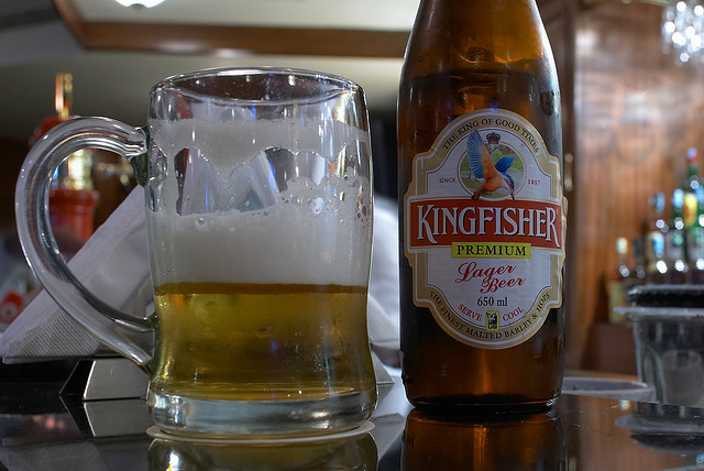 """インドでお酒を飲むならインドno.1ビールブランド""""King Fisher"""""""