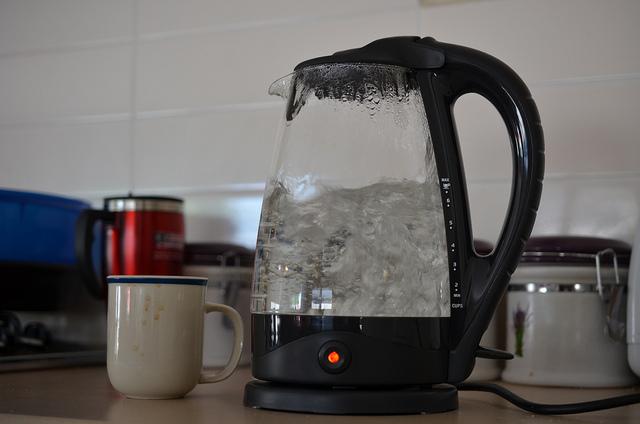 インド発!お湯を飲むだけで効果がある白湯ダイエットって?